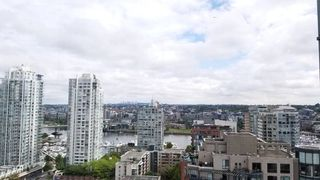 "Photo 25: 2305 289 DRAKE Street in Vancouver: Yaletown Condo for sale in ""Parkview Tower"" (Vancouver West)  : MLS®# R2474157"