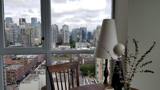 "Photo 9: 2305 289 DRAKE Street in Vancouver: Yaletown Condo for sale in ""Parkview Tower"" (Vancouver West)  : MLS®# R2474157"