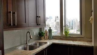 "Photo 8: 2305 289 DRAKE Street in Vancouver: Yaletown Condo for sale in ""Parkview Tower"" (Vancouver West)  : MLS®# R2474157"