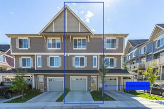 Photo 2: 62 Kinlea Common NW in Calgary: Kincora Row/Townhouse for sale : MLS®# A1030311