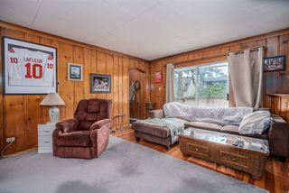 """Photo 3: 4337 ATLEE Avenue in Burnaby: Deer Lake Place House for sale in """"DEER LAKE PLACE"""" (Burnaby South)  : MLS®# R2526465"""