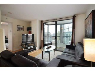 "Photo 1: 1907 1189 HOWE Street in Vancouver: Downtown VW Condo for sale in ""GENESIS"" (Vancouver West)  : MLS®# V934014"