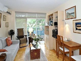 Photo 2: 10 30 Gloucester Street in Toronto: Church-Yonge Corridor Condo for sale (Toronto C08)  : MLS®# C2698064