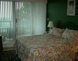 """Photo 4: 706 6622 SOUTHOAKS CR in Burnaby: Middlegate BS Condo for sale in """"THE GIBRALTER"""" (Burnaby South)  : MLS®# V595157"""