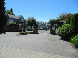 "Photo 2: 10 9255 122ND Street in Surrey: Queen Mary Park Surrey Townhouse for sale in ""KENSINGTON GATE"" : MLS®# F1416507"