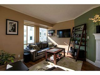 Photo 7: 204 751 Chesterfield Avenue in North Vancouver: Condo for sale : MLS®# V1116880