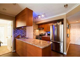 Photo 4: 204 751 Chesterfield Avenue in North Vancouver: Condo for sale : MLS®# V1116880