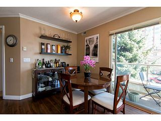 Photo 5: 204 751 Chesterfield Avenue in North Vancouver: Condo for sale : MLS®# V1116880