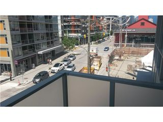 Photo 2: # 1404 89 W 2ND AV in Vancouver: False Creek Condo for sale (Vancouver West)  : MLS®# V1129898
