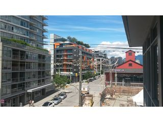 Photo 1: # 1404 89 W 2ND AV in Vancouver: False Creek Condo for sale (Vancouver West)  : MLS®# V1129898