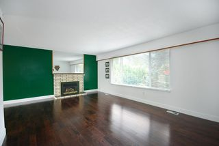 Photo 2: 3952 Hamilton Street in Port Coquitlam: Lincoln Park PQ House for sale : MLS®# R2007904