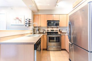 Photo 4: 807 680 CLARKSON STREET in New Westminster: Downtown NW Condo for sale : MLS®# R2094673