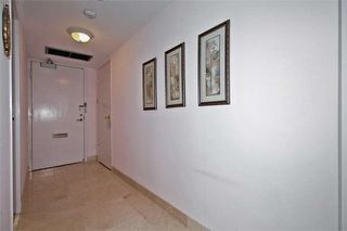 Photo 3: 20 Avoca Ave Unit #1101 in Toronto: Rosedale-Moore Park Condo for sale (Toronto C09)  : MLS®# C3729677