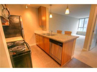"""Photo 6: 603 58 KEEFER Place in Vancouver: Downtown VW Condo for sale in """"FIRENZE"""" (Vancouver West)  : MLS®# R2388936"""