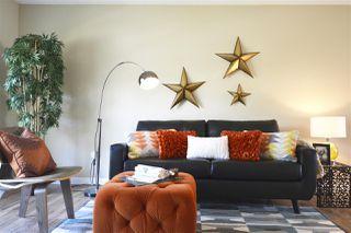Photo 3: 5923 SOUTH TERWILLEGAR Boulevard in Edmonton: Zone 14 House Half Duplex for sale : MLS®# E4170842