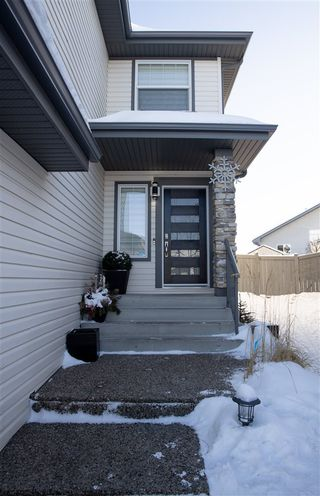 Photo 2: 7407 170 Avenue in Edmonton: Zone 28 House for sale : MLS®# E4188171