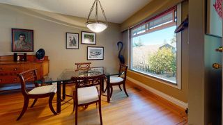 "Photo 4: 2363 THE Boulevard in Squamish: Garibaldi Highlands House for sale in ""GARIBALDI HIGHLANDS"" : MLS®# R2438264"