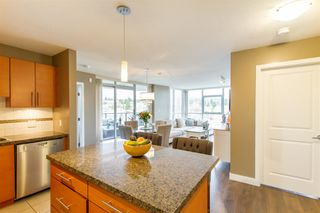 Photo 9: 902-2225 Holdom Ave in Burnaby: Condo for sale (Burnaby North)  : MLS®# R2463125
