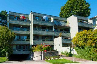 "Main Photo: 304 2119 BELLEVUE Avenue in West Vancouver: Dundarave Condo for sale in ""BELLEVUE GARDENS"" : MLS®# R2455810"