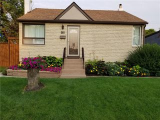 Photo 2: 432 Queen Street in Winnipeg: St James Residential for sale (5E)  : MLS®# 202014070
