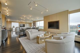 Photo 4: 602 11826 100 Avenue in Edmonton: Zone 12 Condo for sale : MLS®# E4217190