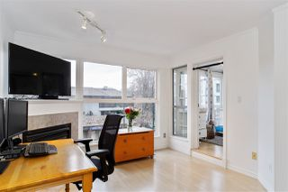 "Photo 2: 303 2025 STEPHENS Street in Vancouver: Kitsilano Condo for sale in ""STEPHENS COURT"" (Vancouver West)  : MLS®# R2517534"