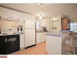 "Photo 4: 93 7850 KING GEORGE Boulevard in Surrey: East Newton Manufactured Home for sale in ""Bear Creek Glen"" : MLS®# F1223945"