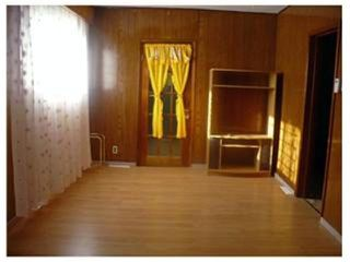 Photo 2: 591 Dufferin Avenue in WINNIPEG: North End Residential for sale (North West Winnipeg)  : MLS®# 1224171