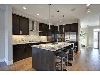 Photo 6: 3332 40 Street SW in CALGARY: Glenbrook Residential Attached for sale (Calgary)  : MLS®# C3548100