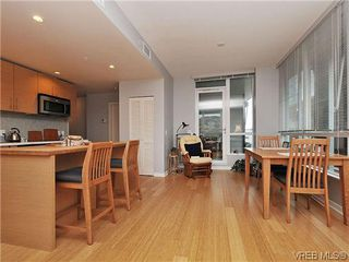 Photo 8: 302 399 Tyee Road in VICTORIA: VW Victoria West Condo Apartment for sale (Victoria West)  : MLS®# 322301