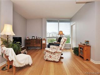 Photo 4: 302 399 Tyee Road in VICTORIA: VW Victoria West Condo Apartment for sale (Victoria West)  : MLS®# 322301