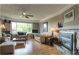 Photo 2:  in VICTORIA: SE Gordon Head House for sale (Saanich East)  : MLS®# 442900