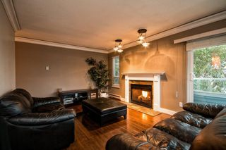 "Photo 11: 101 2615 LONSDALE Avenue in North Vancouver: Upper Lonsdale Condo for sale in ""HarbourView"" : MLS®# V1078869"