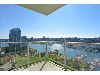 Photo 5: 1806 638 Beach Crescent in Vancouver: Yaletown Condo for sale (Vancouver West)  : MLS®# V1079346
