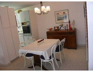 """Photo 3: 540 LONSDALE Ave in North Vancouver: Lower Lonsdale Condo for sale in """"GROSVENOR"""" : MLS®# V617289"""