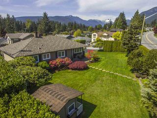 Photo 3: 4183 HIGHLAND BOULEVARD in North Vancouver: Forest Hills NV House for sale : MLS®# R2064082
