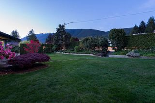 Photo 4: 4183 HIGHLAND BOULEVARD in North Vancouver: Forest Hills NV House for sale : MLS®# R2064082