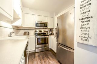 Photo 3: 311 488 HELMCKEN STREET in Vancouver: Yaletown Condo for sale (Vancouver West)  : MLS®# R2090580