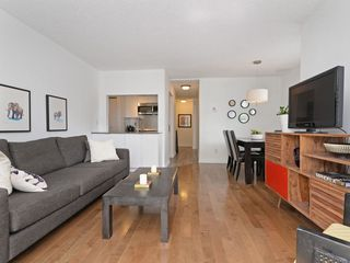 Photo 4: 101 659 E 8TH AVENUE in Vancouver: Mount Pleasant VE Condo for sale (Vancouver East)  : MLS®# R2262284