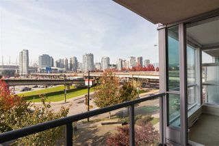 Main Photo: 125 Milross Avenue in Vancouver: Mount Pleasant Condo for rent (Vancouver East)