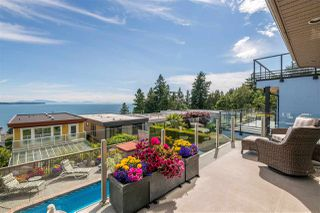 Photo 7: 14728 THRIFT Avenue: White Rock House for sale (South Surrey White Rock)  : MLS®# R2396344