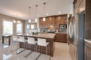 Photo 8: 1418 HAYS Way in Edmonton: Zone 58 House for sale : MLS®# E4170389