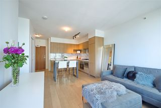 "Photo 10: 909 6588 NELSON Avenue in Burnaby: Metrotown Condo for sale in ""THE MET"" (Burnaby South)  : MLS®# R2398419"