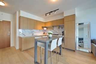 "Photo 7: 909 6588 NELSON Avenue in Burnaby: Metrotown Condo for sale in ""THE MET"" (Burnaby South)  : MLS®# R2398419"