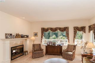 Photo 4: 76 530 Marsett Place in VICTORIA: SW Royal Oak Row/Townhouse for sale (Saanich West)  : MLS®# 416088