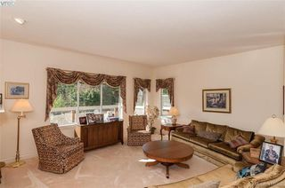 Photo 5: 76 530 Marsett Place in VICTORIA: SW Royal Oak Row/Townhouse for sale (Saanich West)  : MLS®# 416088
