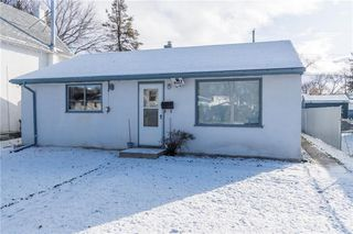 Photo 1: 418 Harvard Avenue West in Winnipeg: West Transcona Residential for sale (3L)  : MLS®# 1930494