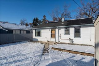 Photo 17: 418 Harvard Avenue West in Winnipeg: West Transcona Residential for sale (3L)  : MLS®# 1930494