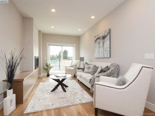 Photo 6: 7 4355 Viewmont Avenue in VICTORIA: SW Royal Oak Row/Townhouse for sale (Saanich West)  : MLS®# 420909