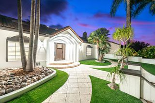 Photo 3: House for sale : 6 bedrooms : 6756 Park Ridge Blvd in San Diego